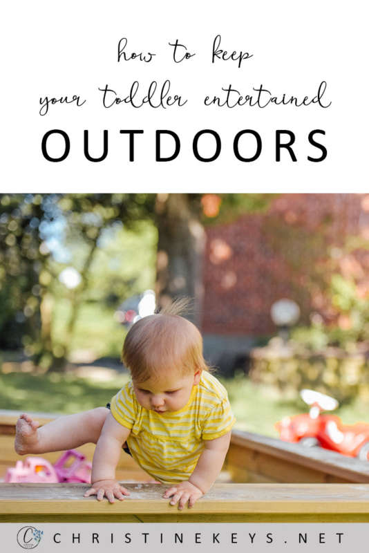 How To Keep Your Toddler Entertained Outdoors || Here's a list of simple outdoor activities to help occupy your toddler. #toddleractivities #toddlers #play #outdoorplay #parenting #motherhood