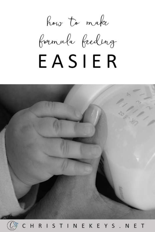How To Make Formula Feeding Easier || Take the stress out of bottle feeding by using these helpful tips #fedisbest #formulafeeding #bottlefeeding #babies #motherhood #parenting