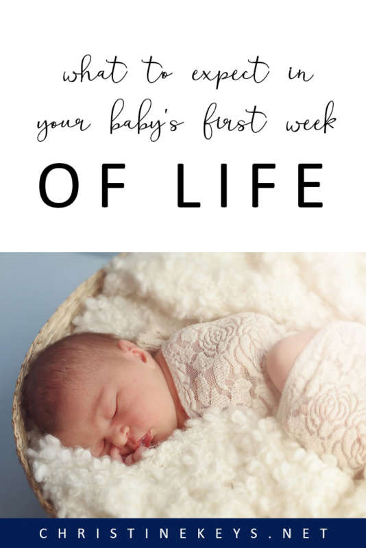 What Things To Expect In Your Baby's First Week of Life || Be prepared ahead of time and find out what common things you can expect during your baby's first week. #newborn #postpartum #motherhood #parenting #pregnancy #baby #babies #babysleep