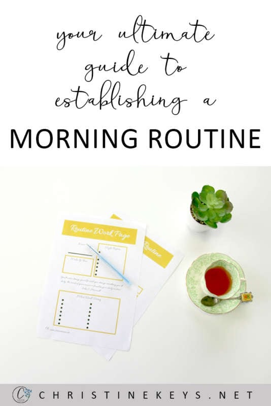Your Ultimate Guide To Establishing A Morning Routine! || Get your free, printable guide to help you find and set up your ideal morning routine. #free #printable #routine #morning #motherhood #babies #parenting #organized