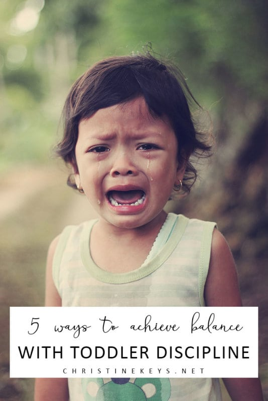 5 Ways to Achieve Balance With Toddler Discipline || Learn how to allow your child to express themselves while still teaching them appropriate behaviour. #parenting #toddlers #discipline #motherhood #routine